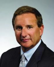 El objetivo de la demanda es liberar a Mark Hurd de algunas de las ataduras que le impuso HP