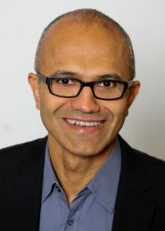 Satya Nadella, responsable de servidores de Microsoft, fue el encargado de presentar las novedades