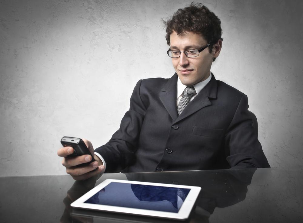 oficina-BYOD-smartphone-tableta-movil