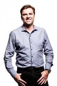 Tony Bates (Imagen por cortesía de Microsoft - www.microsoft.com)