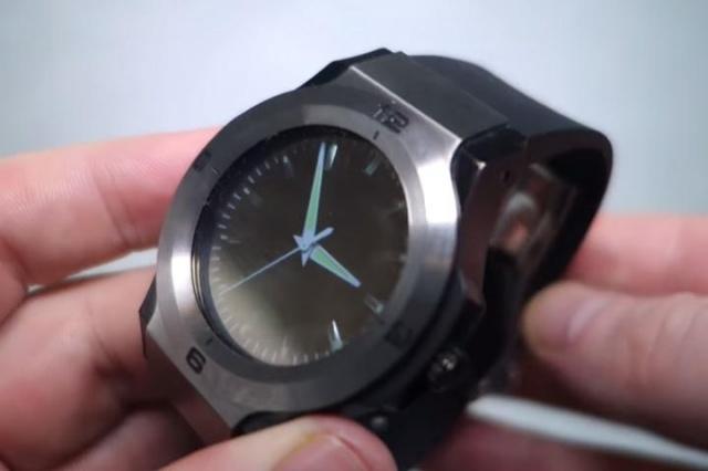 halo-smartwatch-analog-640x426-c