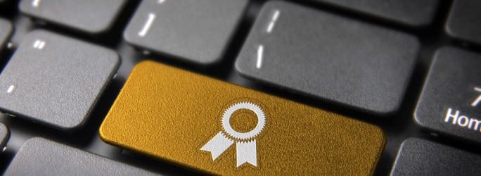 Fuente-Shutterstock_Autor-Cienpies Design_premio-galardon-Internet