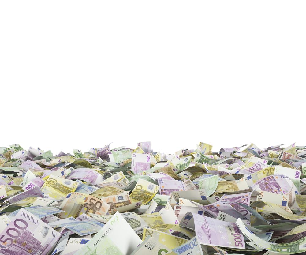 Fuente-Shutterstock_Autor-ImageFlow_euros-dinero