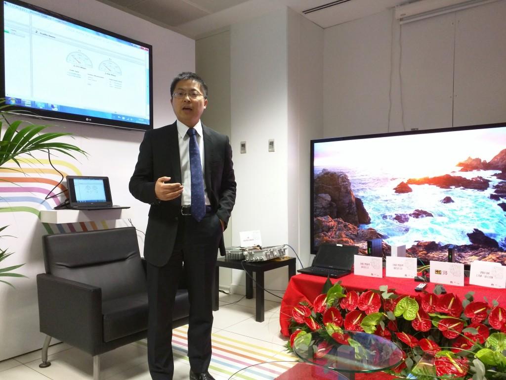 Tony Jin Yong, CEO de Huawei España, durante la demostración de la tecnología DOCSIS 3.1 en las instalaciones del fabricante