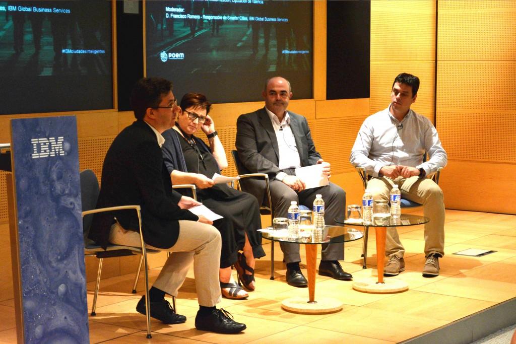 Durante el evento organizaco por IBM se debatió sobre los retos y oportunidades de la transformación digital en los municipios de España