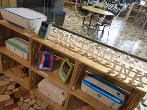 Susanne Pontynen, responsable de HP Instant Ink; Inés Bermejo, responsable de Impresión de HP Inc. en España y Gamze Tekeler, responsable de impresión de consumo; durante la presentación a los medios