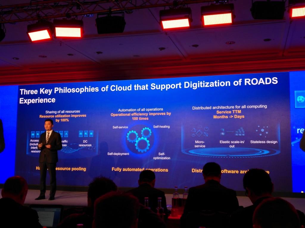 Libin Dai, Director de soluciones integradas de Huawei, durante el evento para medios y analistas