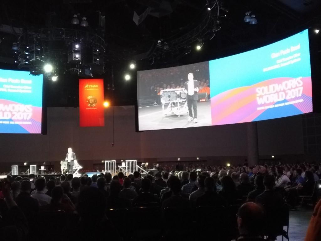 Gian Paolo Bassi, CEO de SOLIDWORKS, durante su intervención en la sesión inaugural