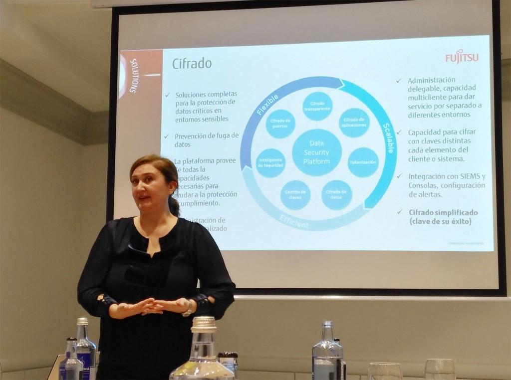 María Gutierrez, directora de seguridad de Fujitsu España, durante el encuentro con los medios de comunicación
