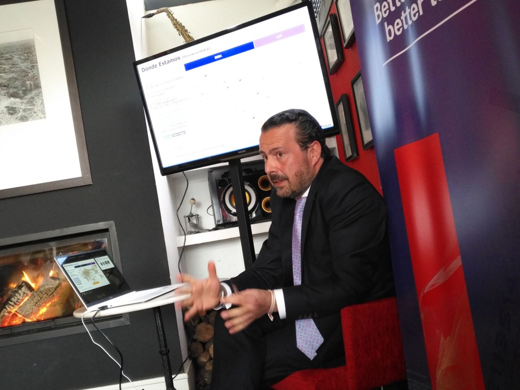 Álvaro Ansaldo, country manager de TmaxSoft, en un momento de su intervención ante los medios especializados