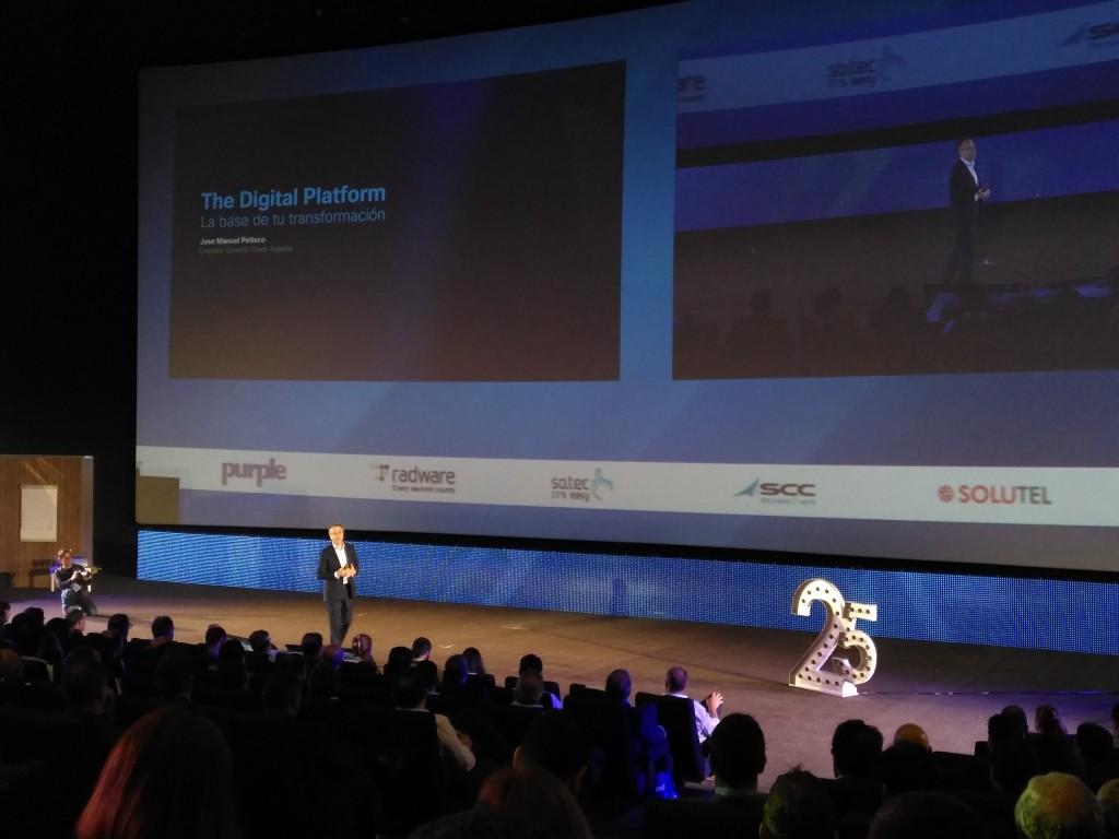 La presentación de José Manuel Petisco, director general de Cisco España, ha girado en torno a la Plataforma Digital