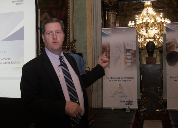 Michael Corcoran, VP Senior y CMO de Information Builders, durante un momento del Summit España 2017