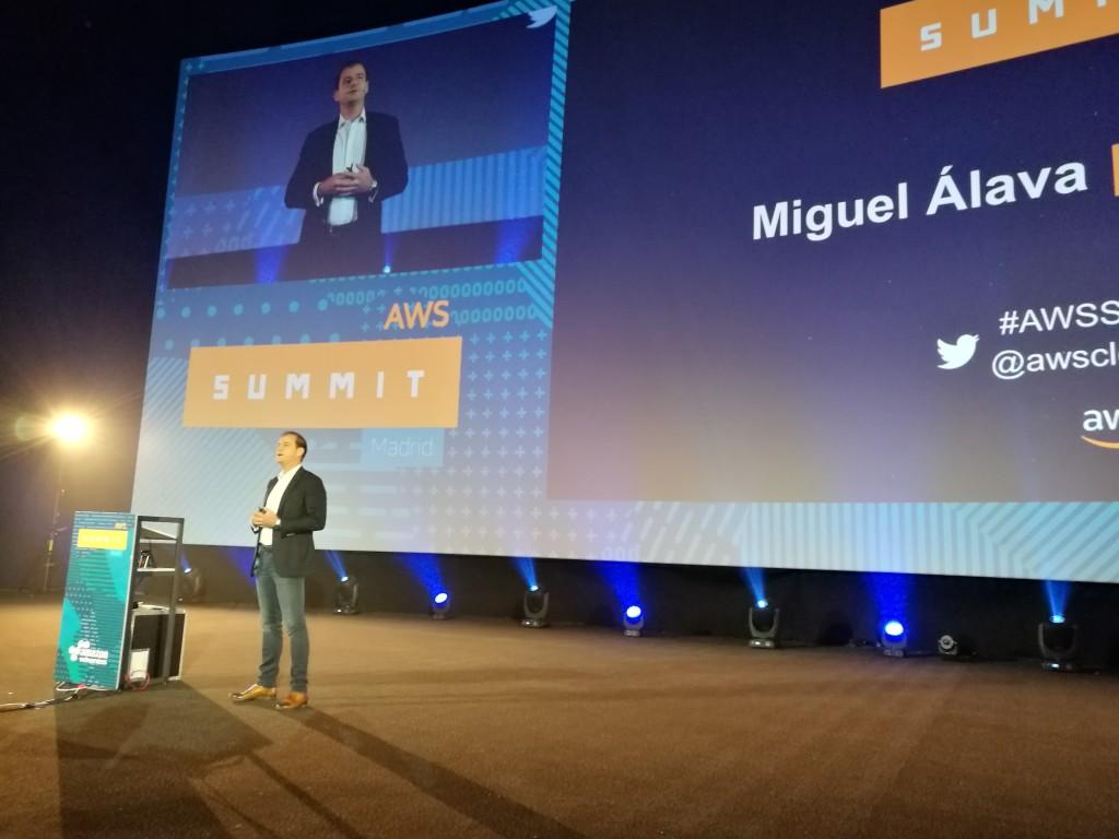Miguel Álava, director general de AWS España, durante la keynote inaugural