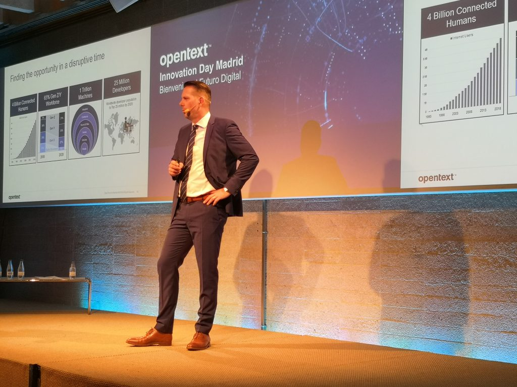 Lars Drexler,, VP, solution Consulting Enterprise, OpenText, durante su intervención en el Innovation day 2018